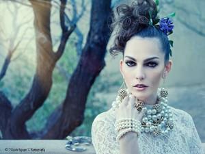 Amanda Pearls & Lace